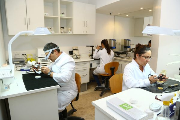 Laboratório de Prótese Cerâmicas